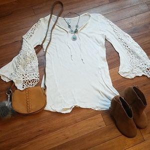 Tops - 🌵HOST PICK🌵Boho lace sleeved blouse medium